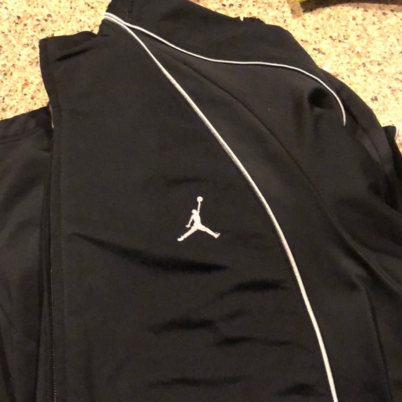 c999541be8fa Nike Jordan Jogging Suit. M 5a78860045b30c2f7787b63d